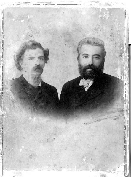 Το 1897 ο Ιωάννης Κωνσταντινίδης, όπως αναφέραμε γνώρισε στην Αθήνα τον Ελευθέριο Βενιζέλο. Έκτοτε ο ποιητής γίνεται ο δάσκαλος του Βενιζέλου. Χάρη στον ποιητή ο Βενιζέλος ήλθε στην Καβάλα για να παραστεί στον εορτασμό των πρώτων ελευθέριων της πόλης.